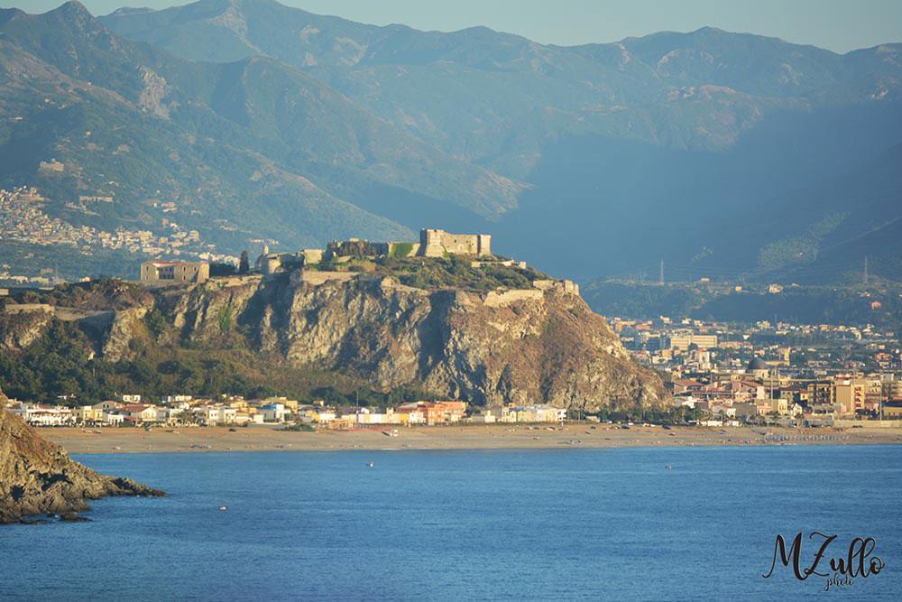Rakelhome - Vista del Castello di Milazzo