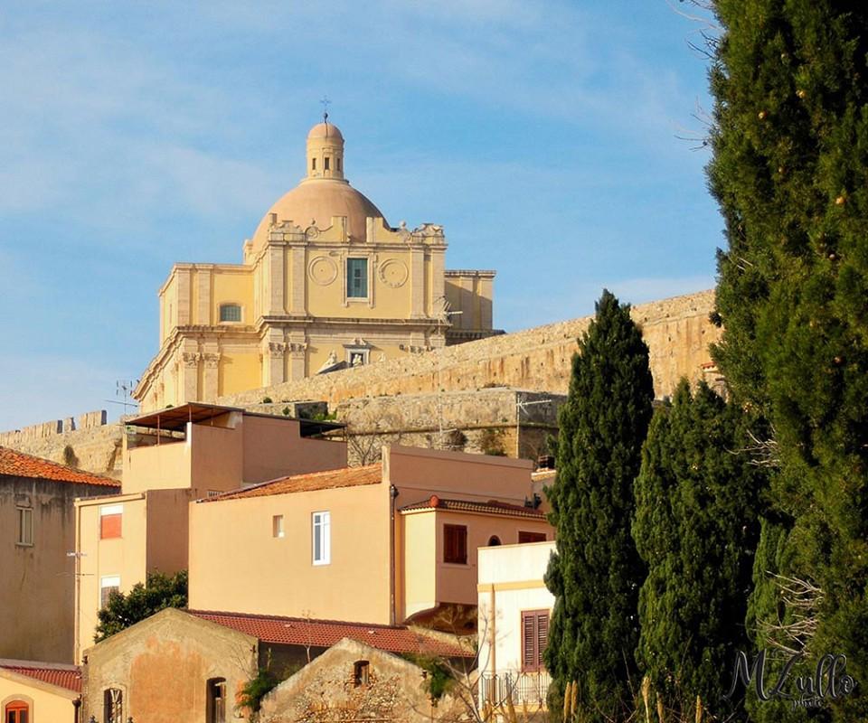 Rakelhome - Il Duomo Antico, sito all'interno del Castello di Milazzo